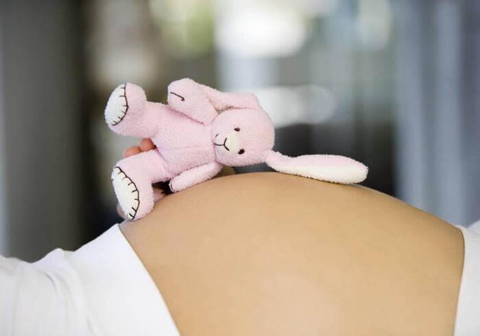 При беременности на каком месяце появляется живот На каком месяце беременности появляется живот